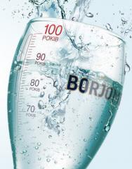 Вода, прозрачная из Borjomi